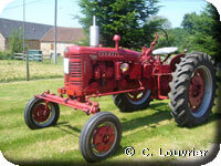 Mc Cormick Farmall F235 d